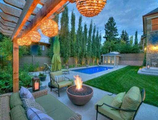 Solus Hemi firepit lit in modern garden in Spokane